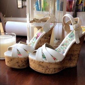 WHITE CORK HEELS SUMMER TIME!!
